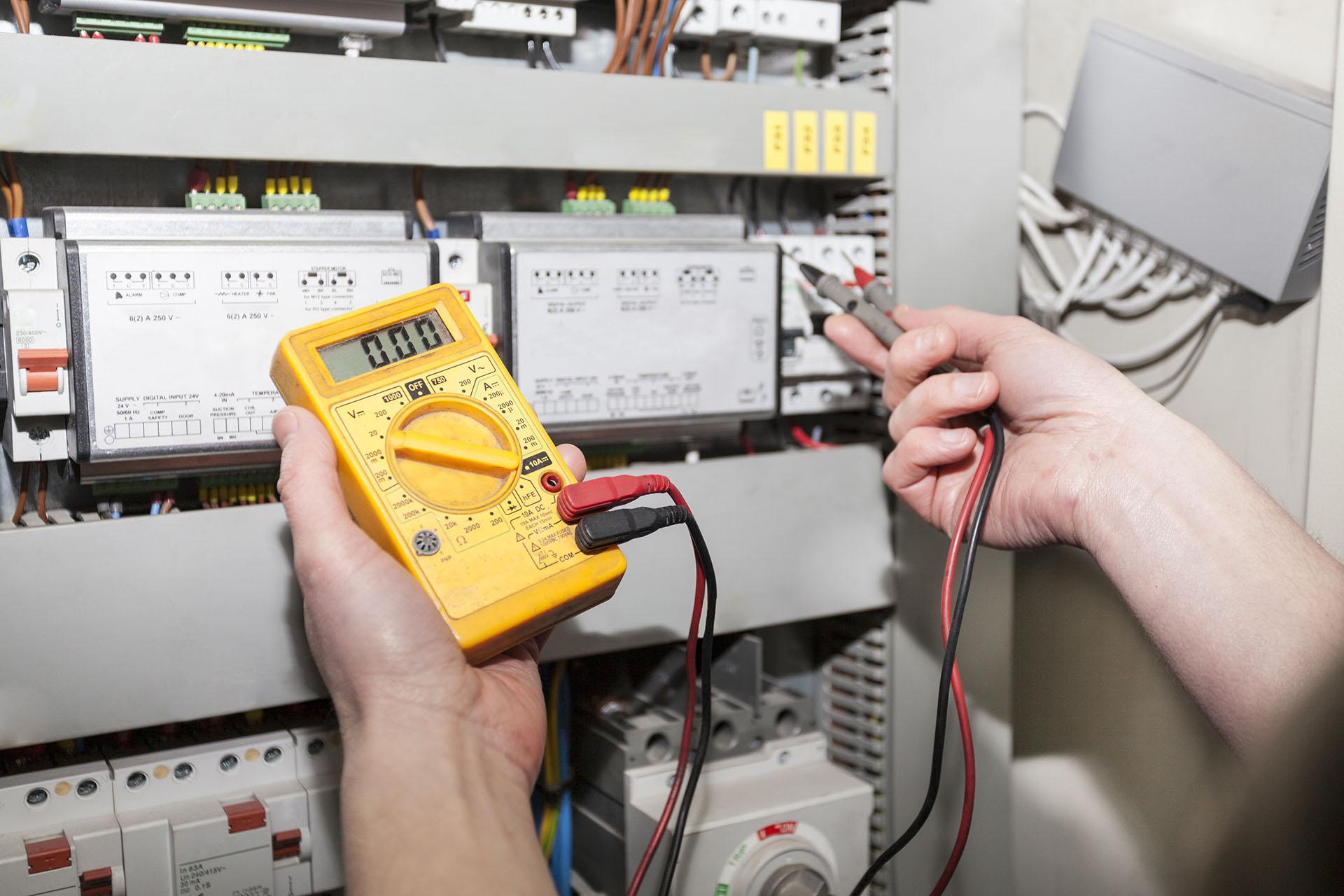 Electricité, rénovation réseau électrique, mise aux normes et tableau électrique